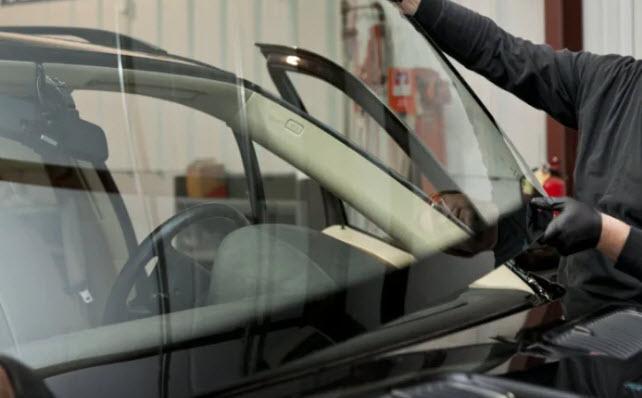 Combien coûte le remplacement d'un pare-brise pour BMW?