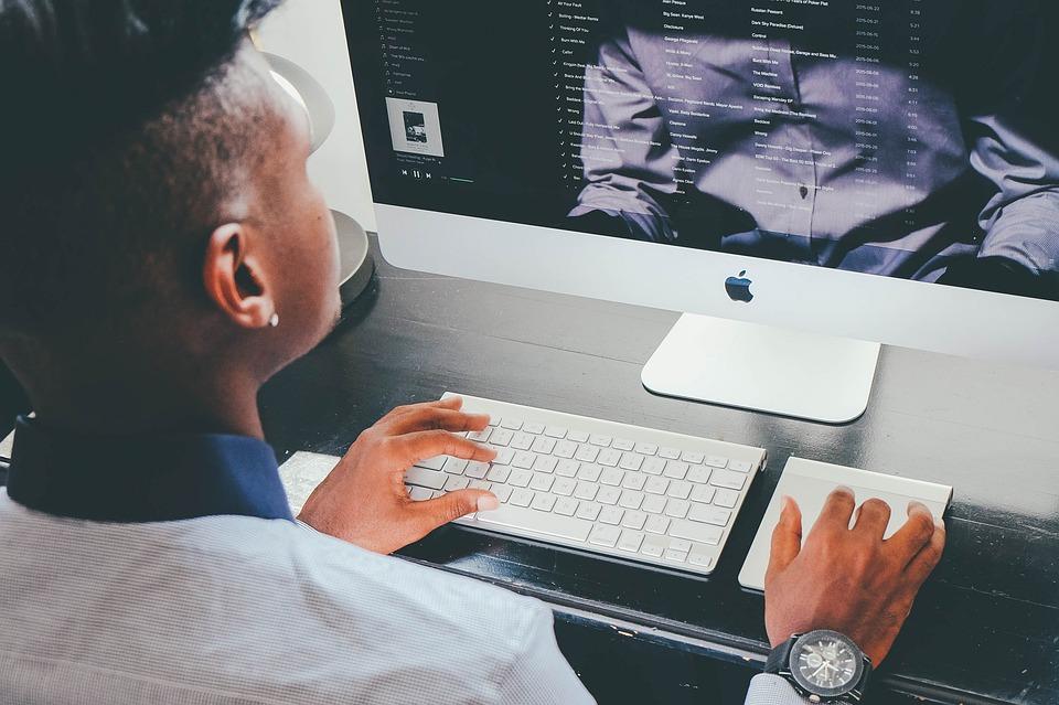 Pourquoi investir dans une société offshore de saisie informatique ?