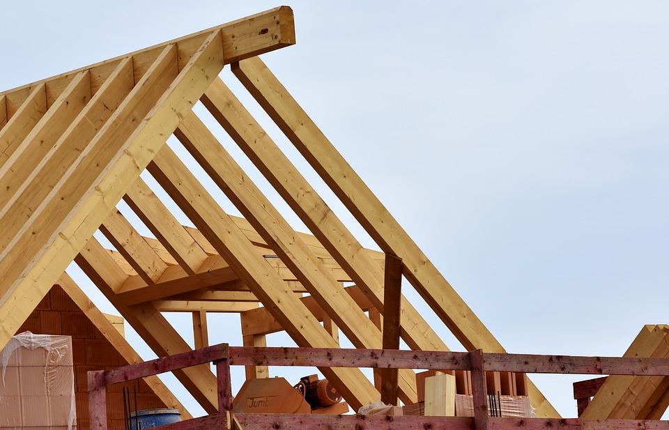 Comment choisir un artisan-couvreur pour la bonne installation de sa toiture?