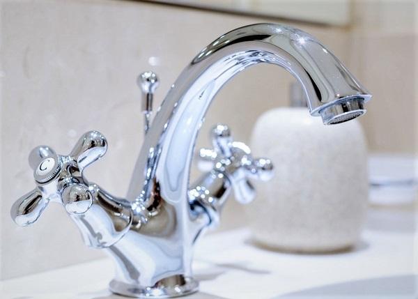 Réparation de fuite sur robinet mitigeur baignoire