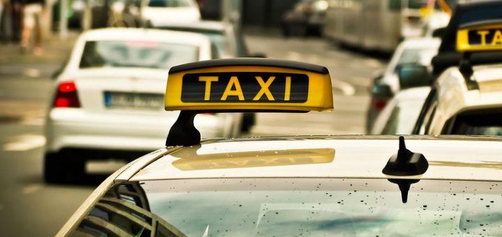 Un chauffeur de taxi : métier très prenant et facile à réaliser