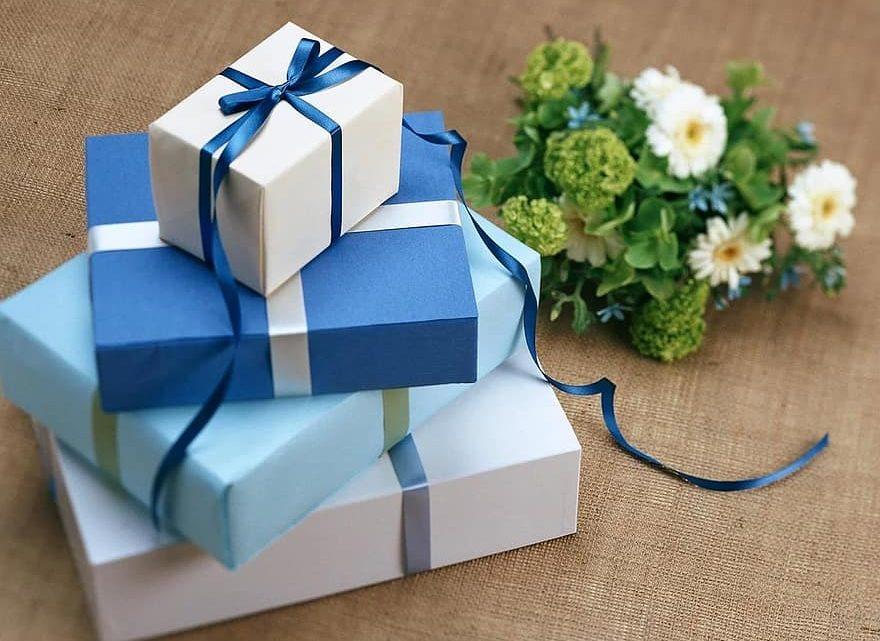 7 cadeaux personnalisés et créatifs pour les hommes