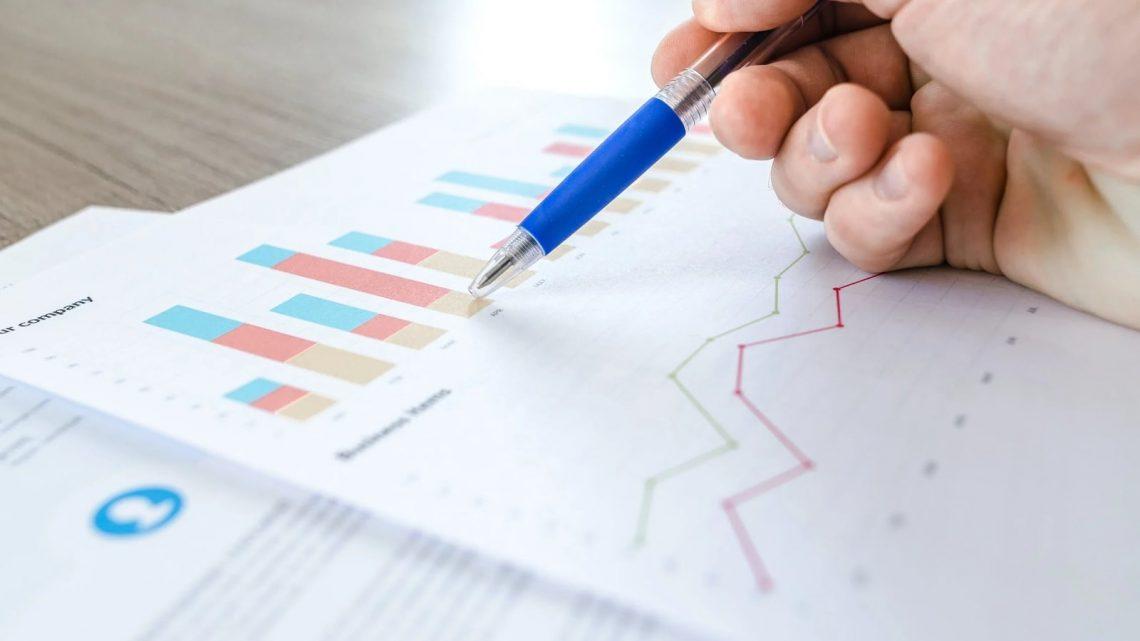 Comment estimer un commerceen se basant sur 5 principaux facteurs?