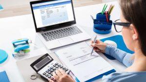 les différences entre un analyste financier et un comptable