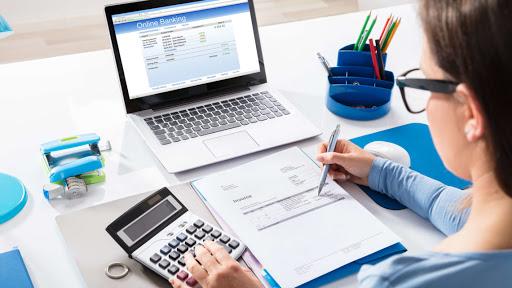 Quelles sont les différences entre un analyste financier et un comptable ?
